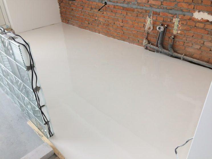 наливна біла підлога